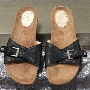 UGG woman's size 9 sandal